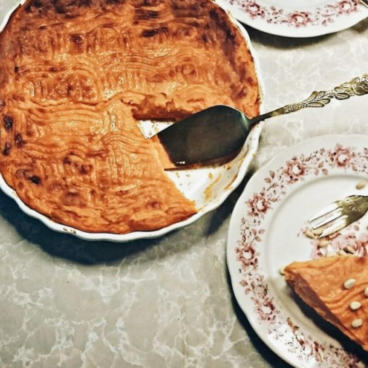 Ezen a képen: Mouginsfesztivál-torta