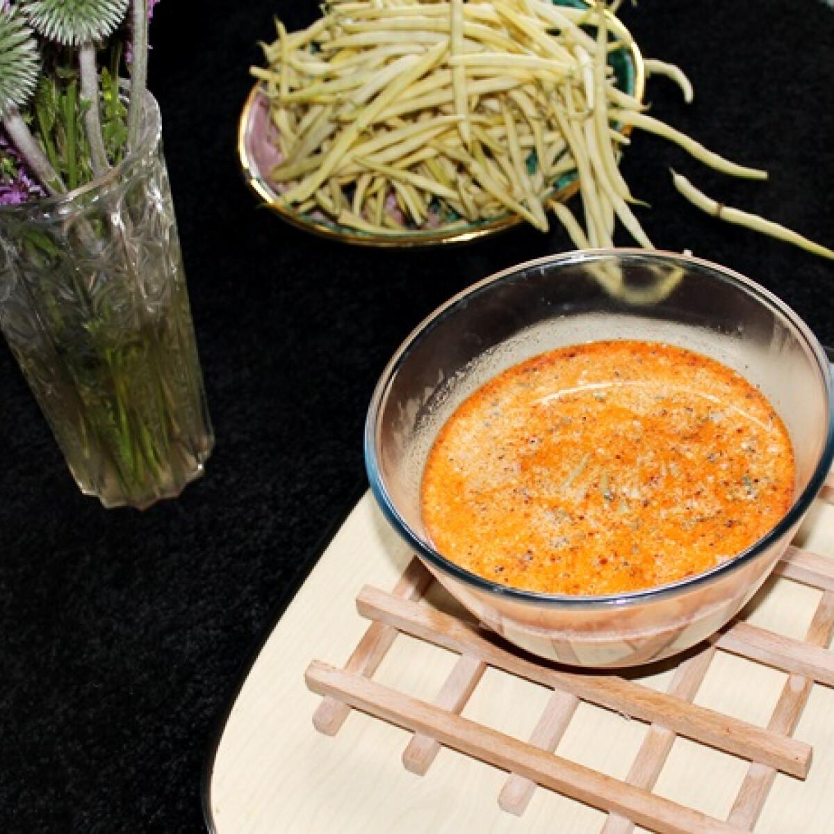 Ezen a képen: Zöldbableves Iluska konyhájából