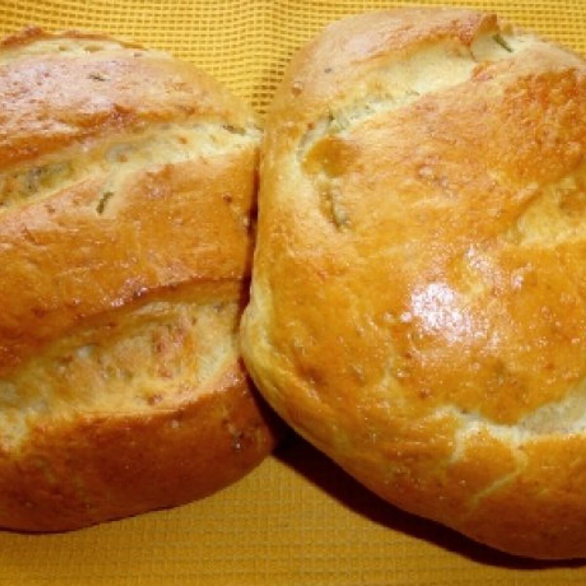 Ezen a képen: Fetás kenyér