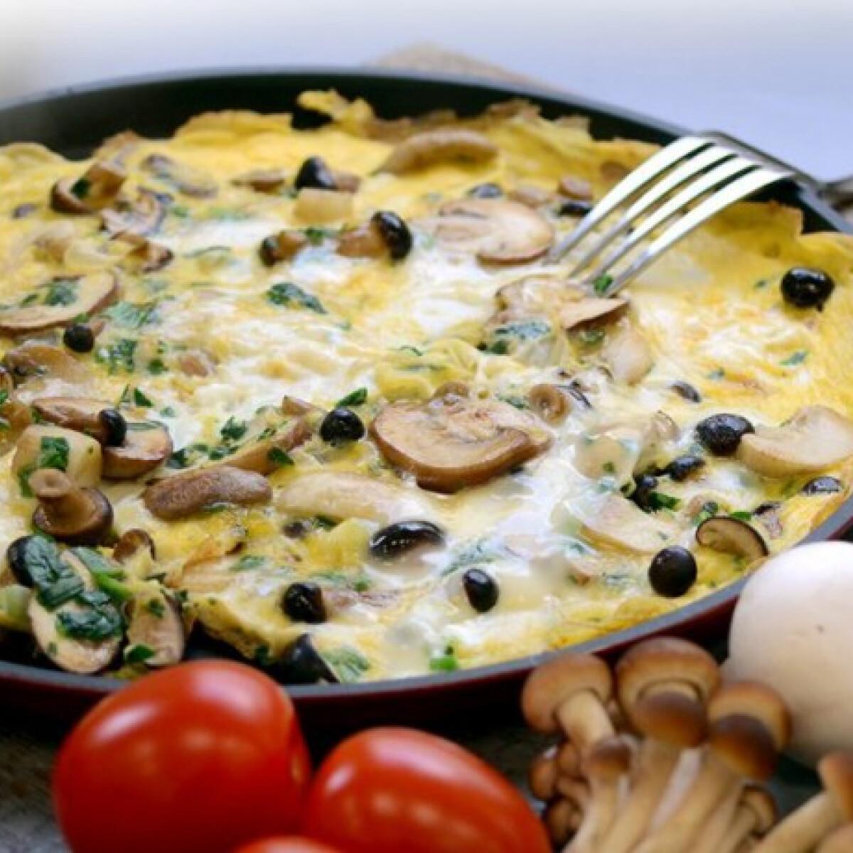 Ezen a képen: Medvehagymás-gombás omlett Gombagasztro konyhájából