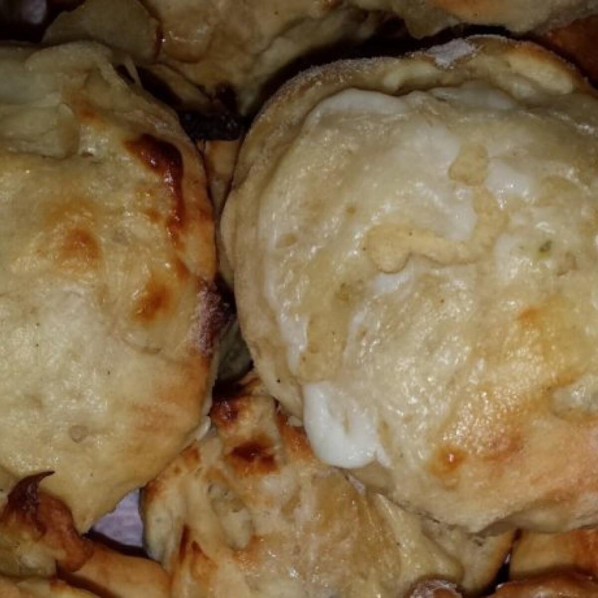 Ezen a képen: Káposztás szendvics pogácsa fűszeresen