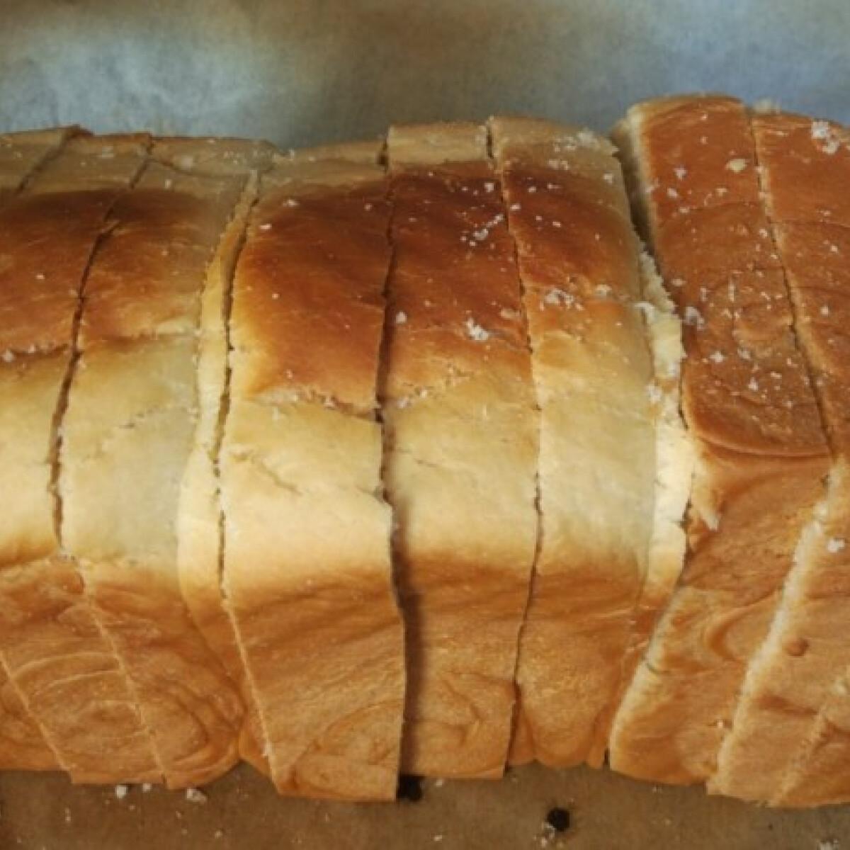 Édes, foszlós kenyér