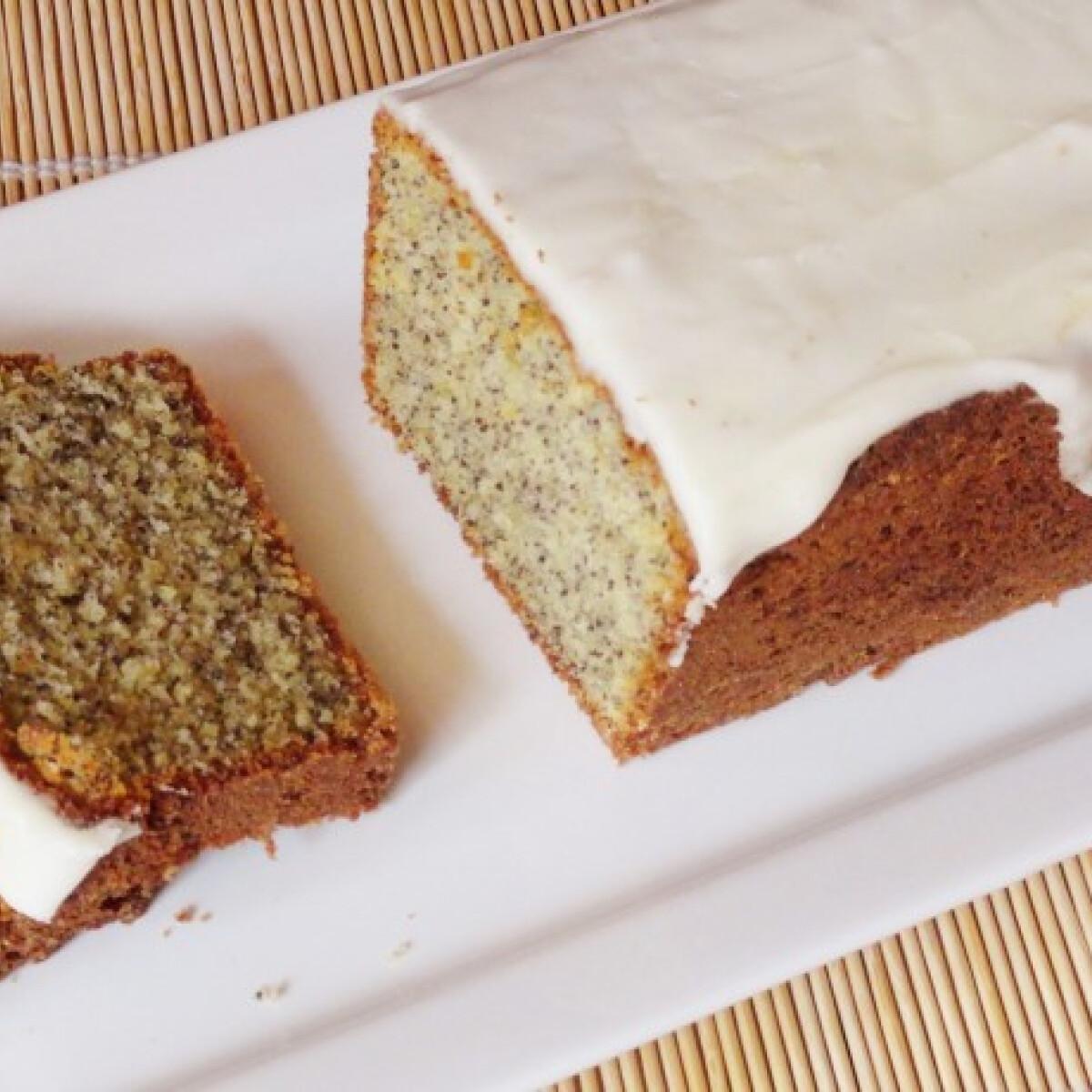 Ezen a képen: Narancsos mákos sütemény