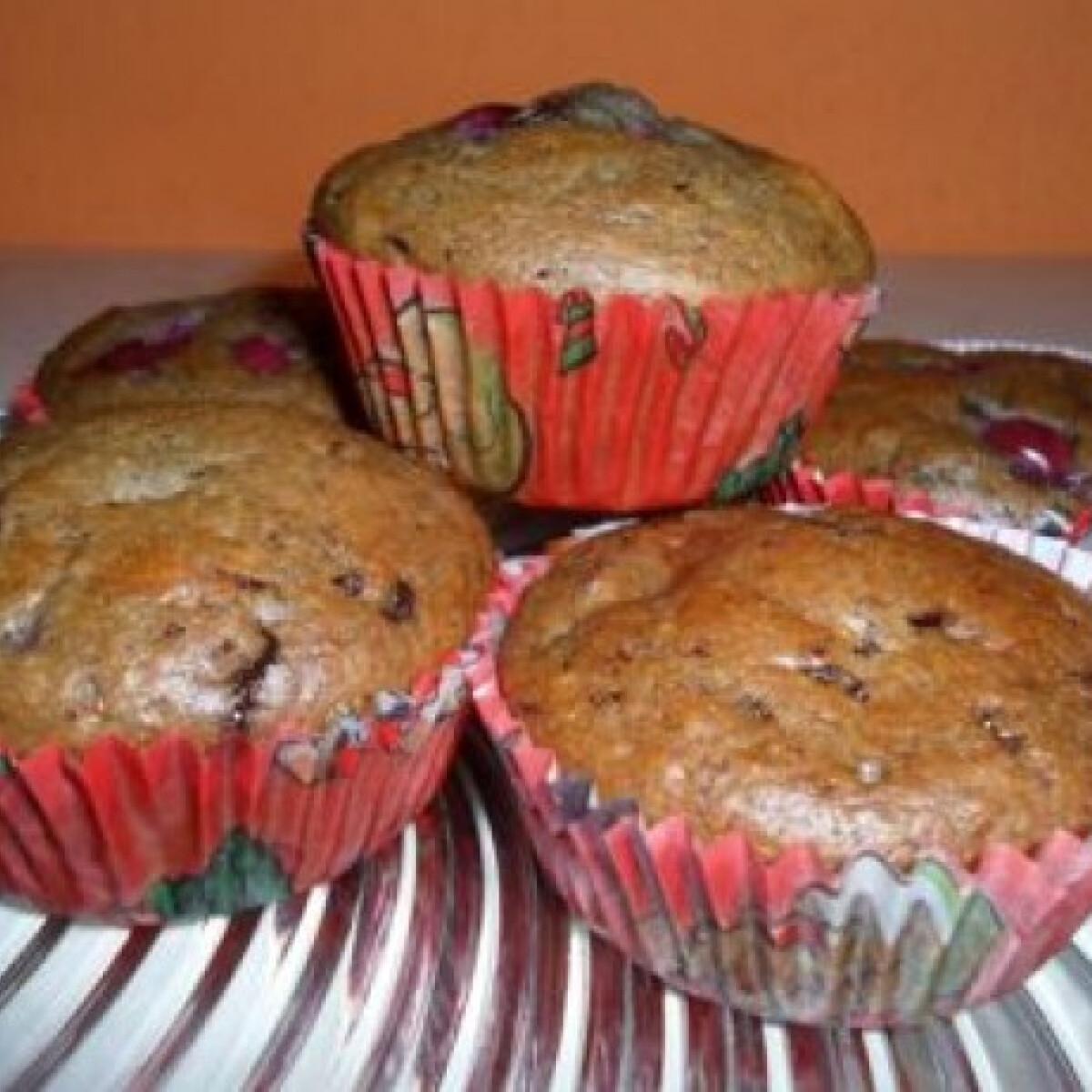 Ezen a képen: Csokis-meggyes muffin Mévi konyhájából