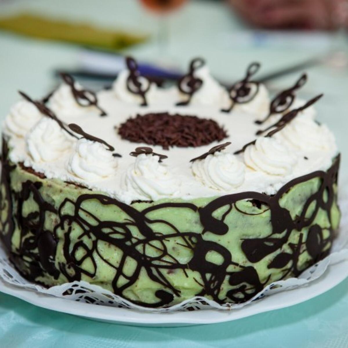 Ezen a képen: Mozart torta Szöszi konyhájából
