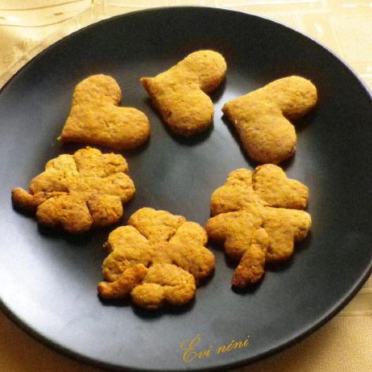 Ezen a képen: Gyömbéres keksz Évi nénitől