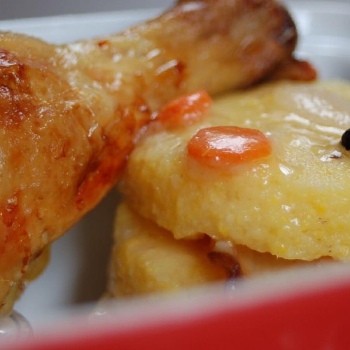Ezen a képen: Tepsis csirkecombok vadasan