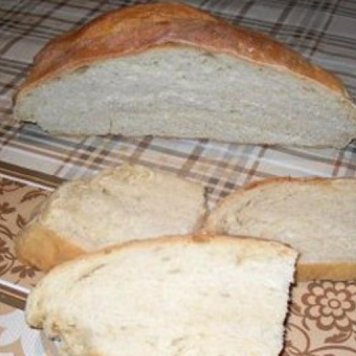 Ezen a képen: Házi kenyér Zoly konyhájából