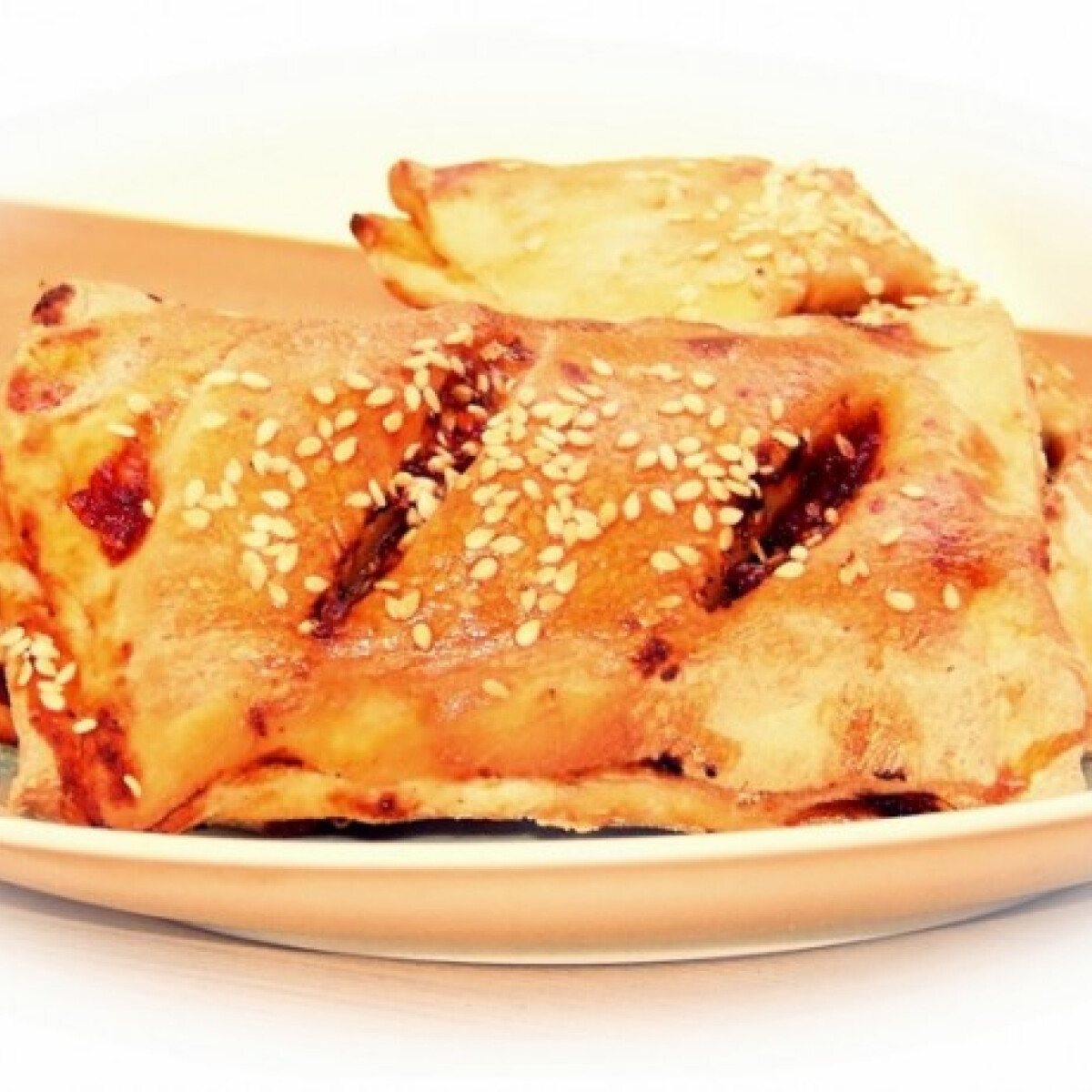 Ezen a képen: Szezámmagos - pizzás táska