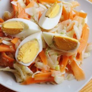 Sárgarépás édeskömény-saláta