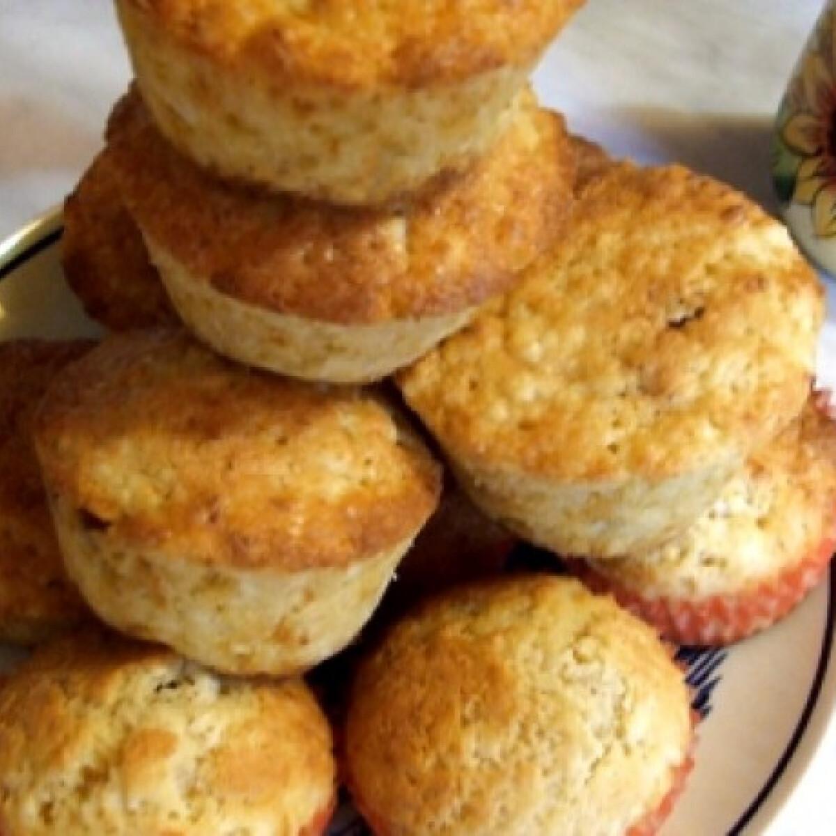 Túrós muffin rumos mazsolával