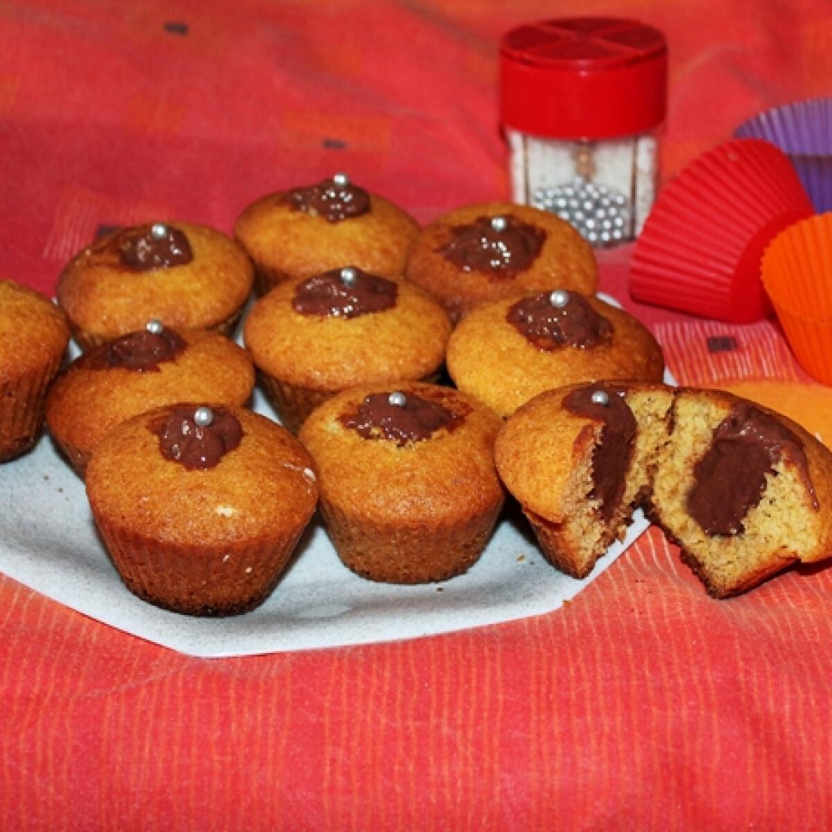 Muffinlyukba töltött csokoládé