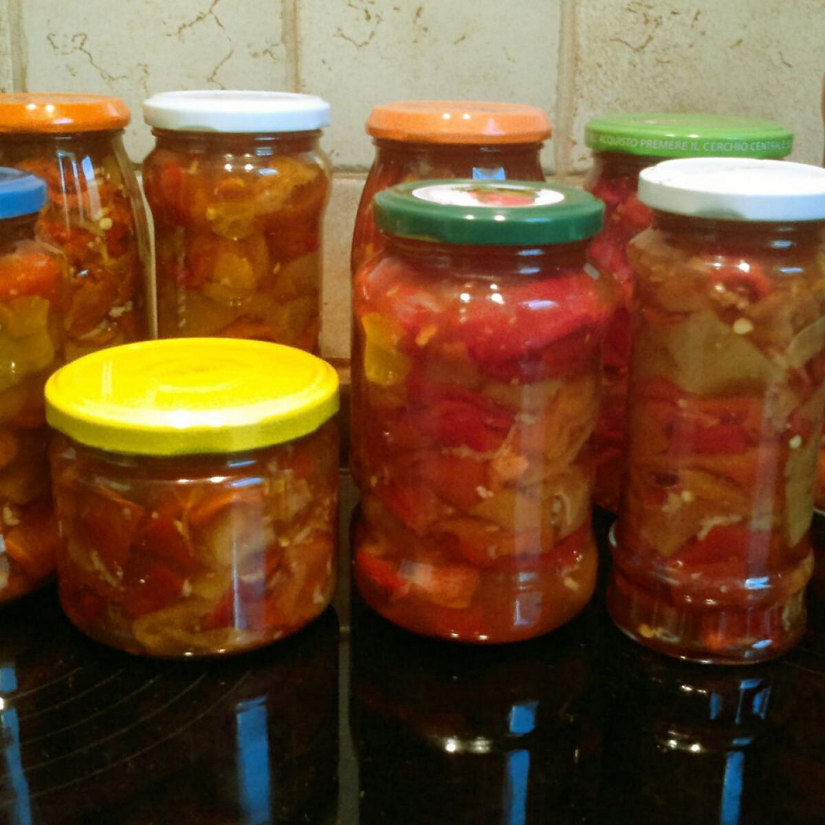 Ezen a képen: Sült paprika-saláta télire tartósítószer nélkül