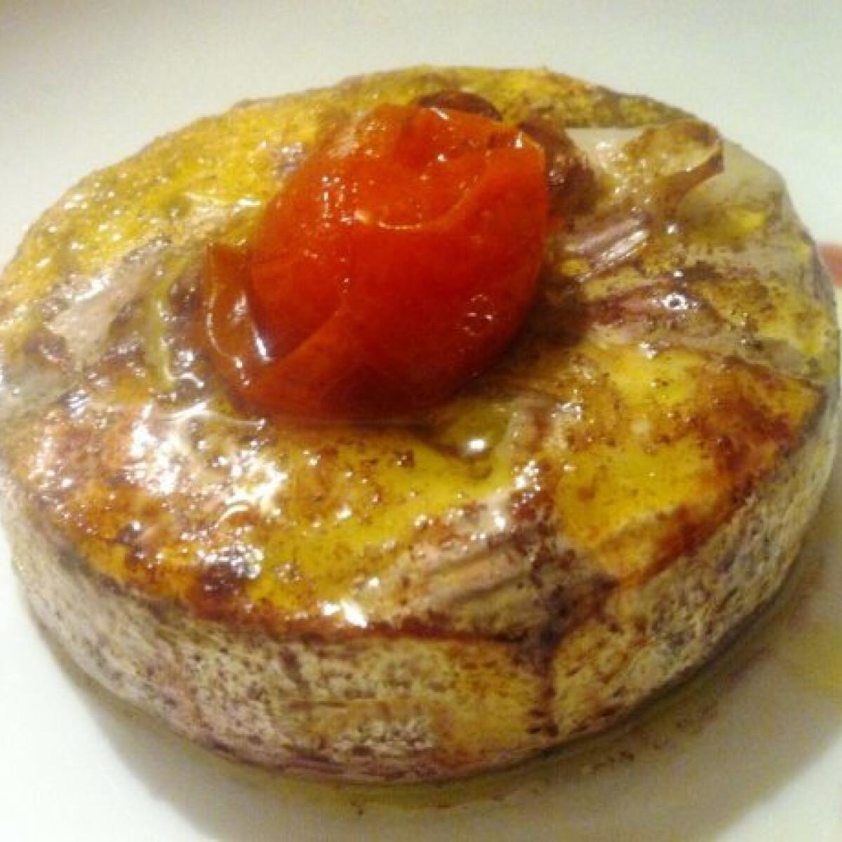 Ezen a képen: Fokhagymás sült camembert koktélparadicsommal