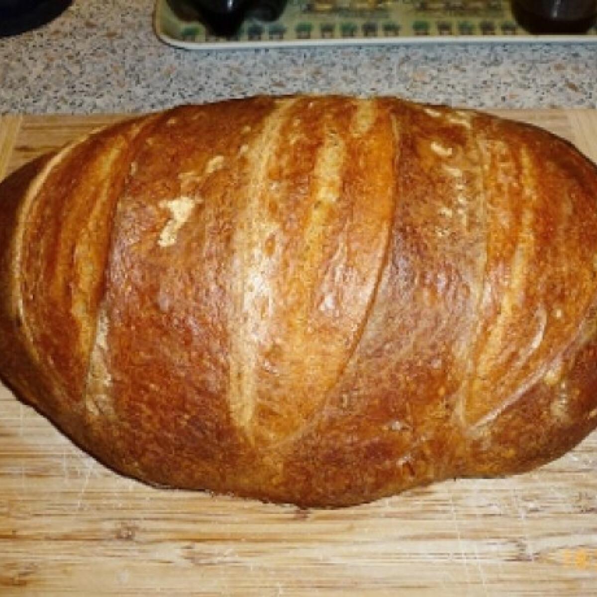 Ezen a képen: Poharas fehér kenyér Ivett pékségéből