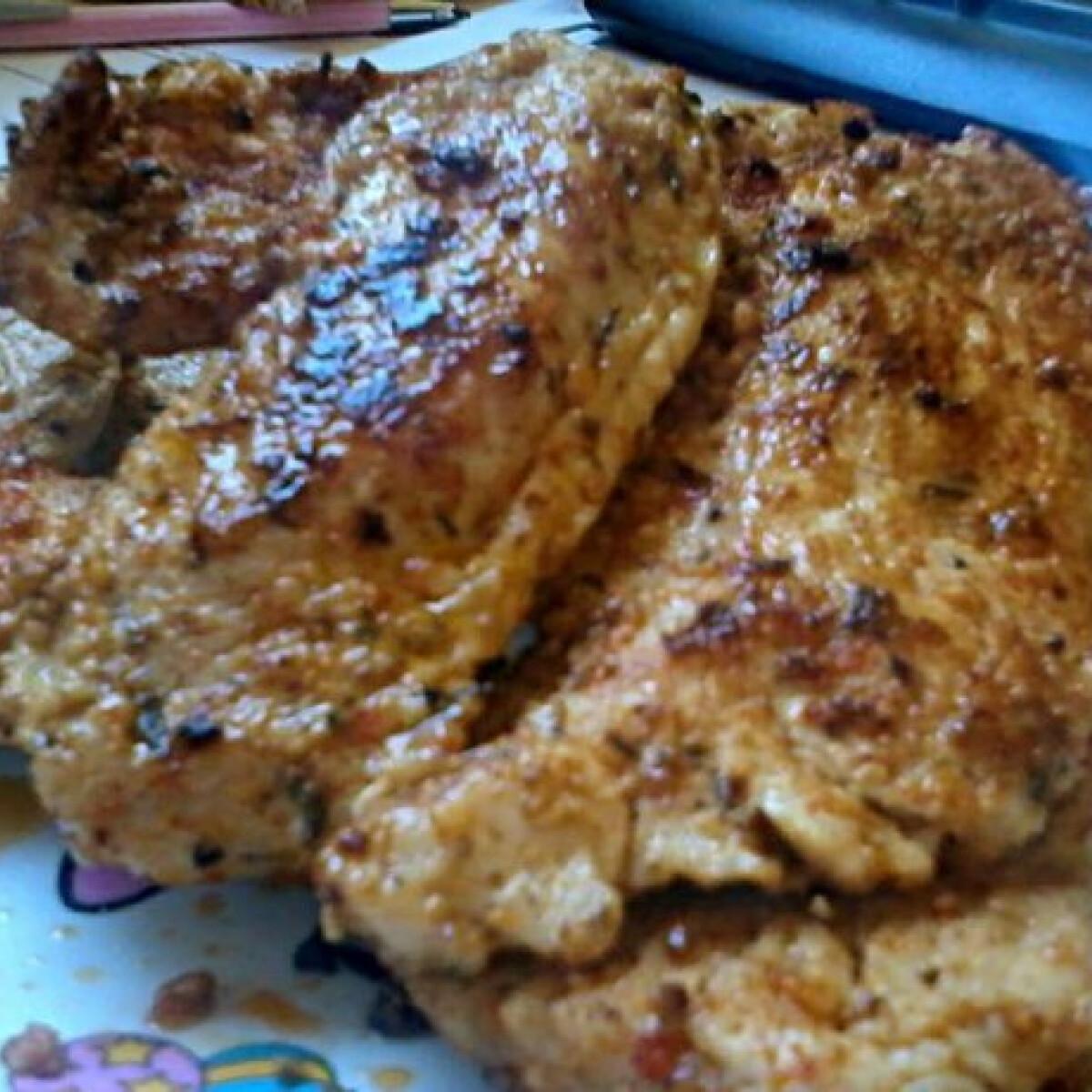 Ezen a képen: Mustáros grillezett hús