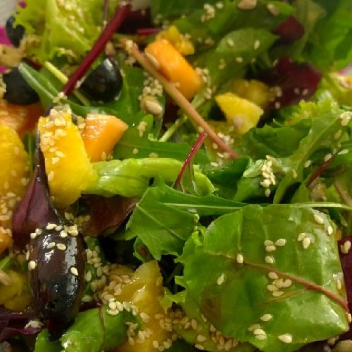Ezen a képen: Orientális saláta