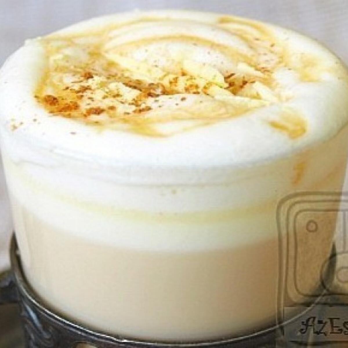 Ezen a képen: Fehércsokis Latte Macchiato