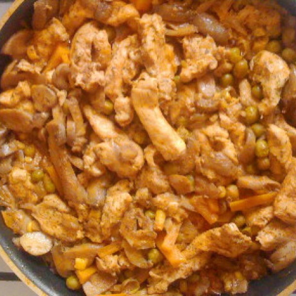 Ezen a képen: Serpenyős csirke Noémilau konyhájából