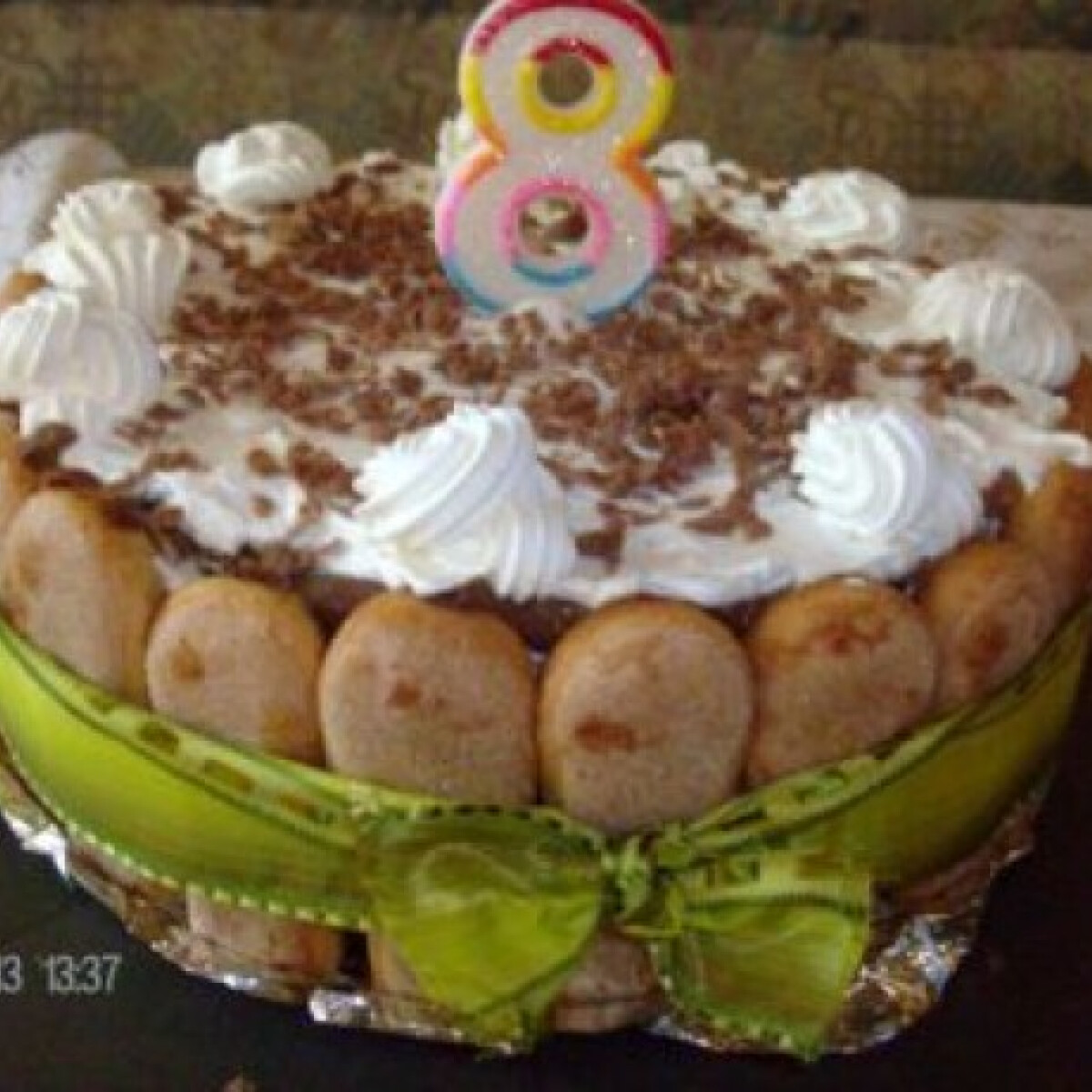 Ezen a képen: Csokis-kávés-rumos-babapiskótás torta