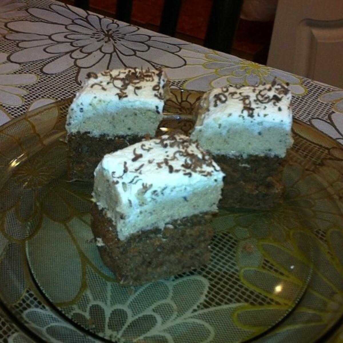 Ezen a képen: Gesztenyés kocka Málna konyhájából
