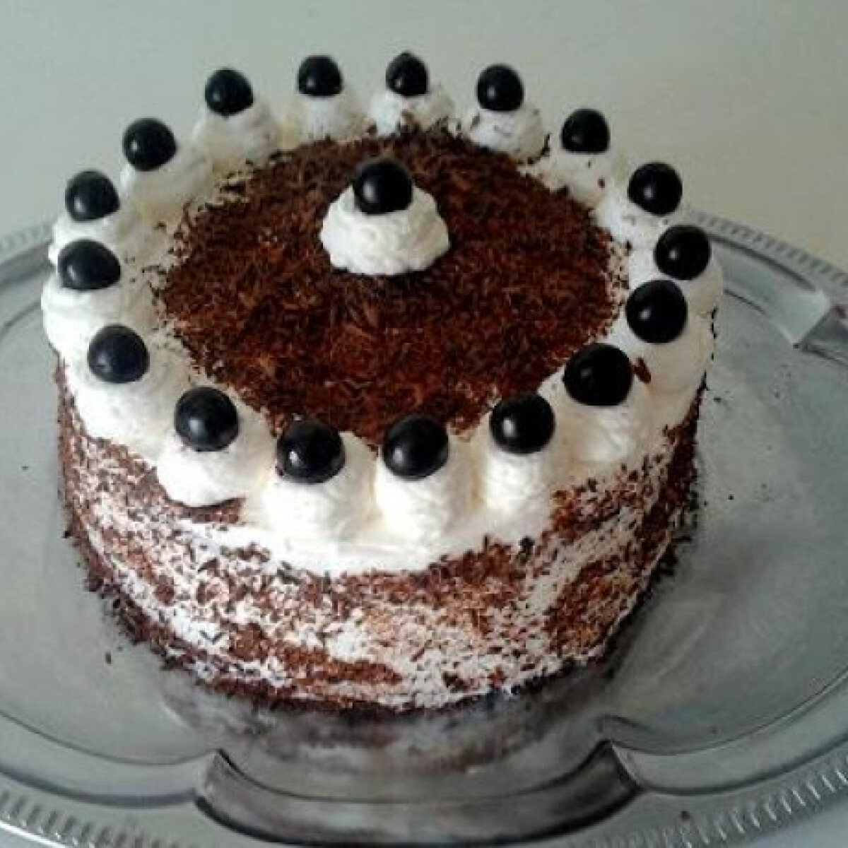 Ezen a képen: Diétás feketeerdő-torta xilittel
