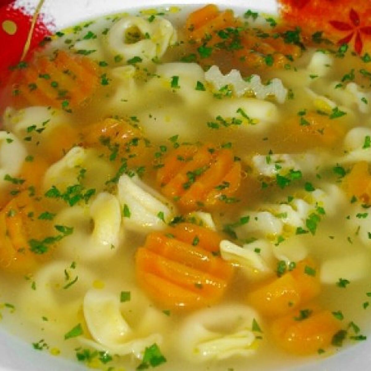 Ezen a képen: Tortellini leves