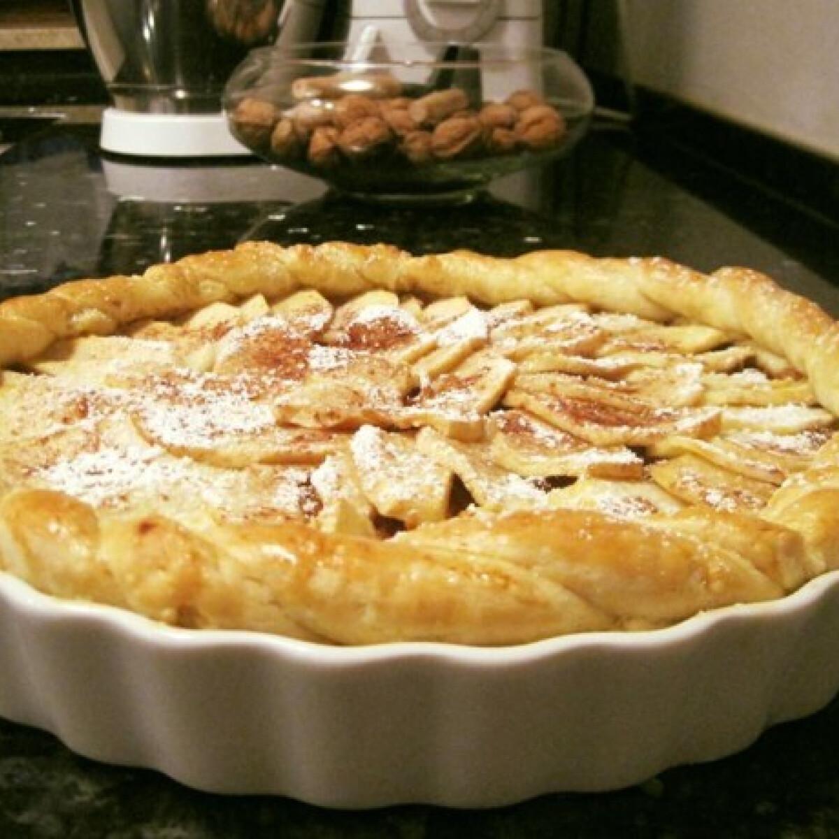 Ezen a képen: Vaníliakrémes almás pite