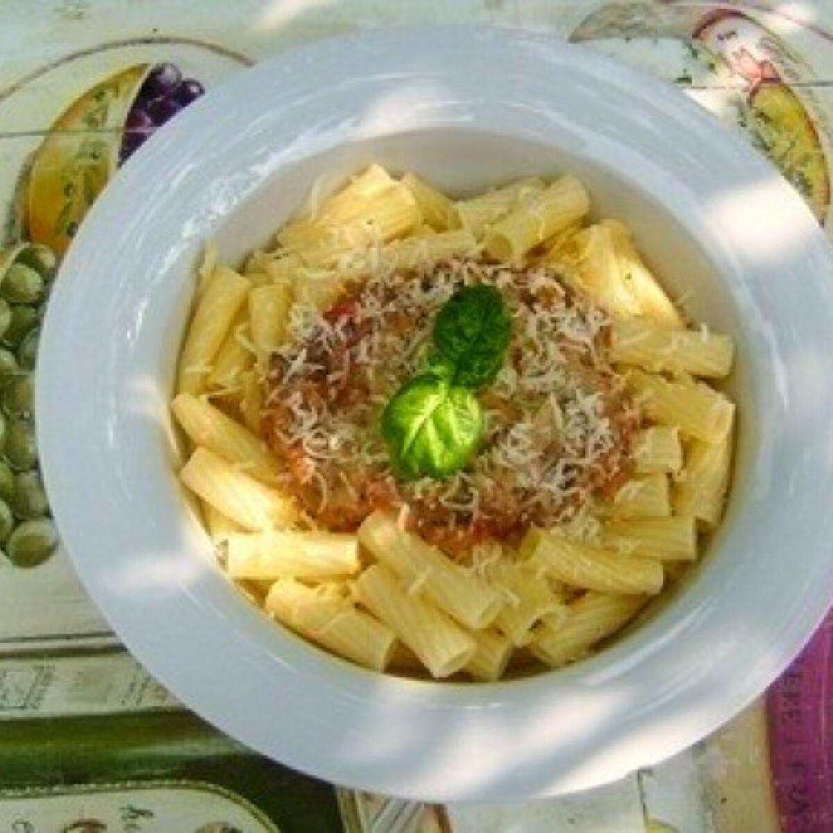 Ezen a képen: Tejszínes-lazacos zöldségkrém tésztával