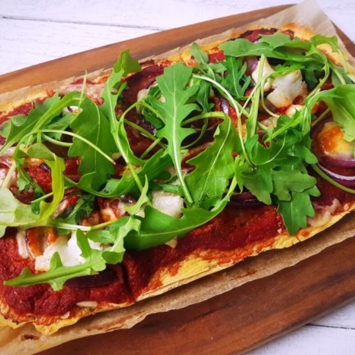 Ezen a képen: Pizzatészta csicseriborsólisztből gluténmentesen