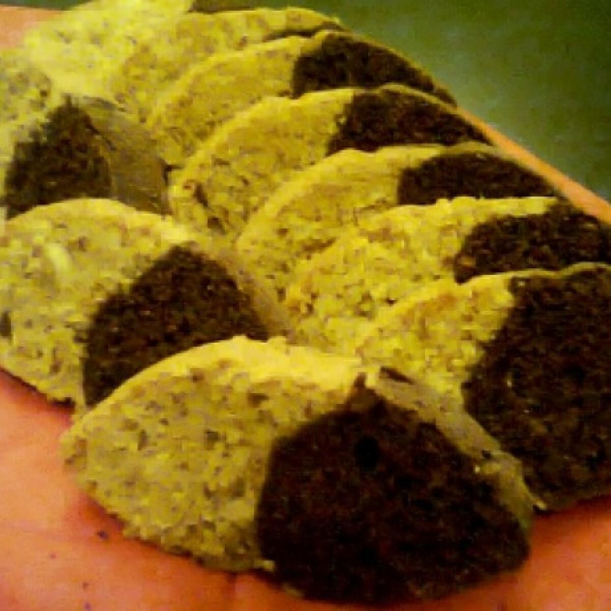 Ezen a képen: Mandulás-csokoládés őzgerinc