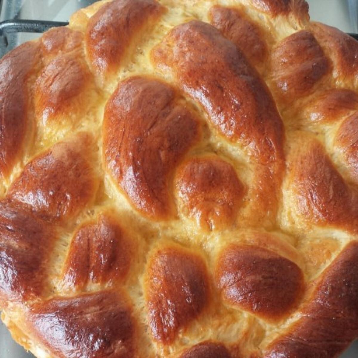 Ezen a képen: Foszlós kalács Zsivike konyhájából
