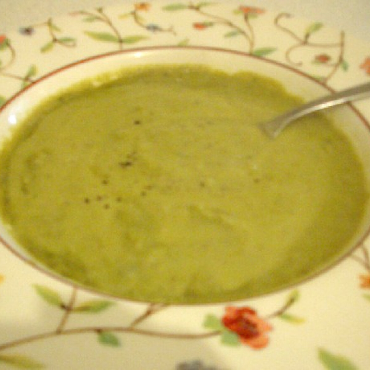 Ezen a képen: Zöldborsókrémleves Yolika konyhájából