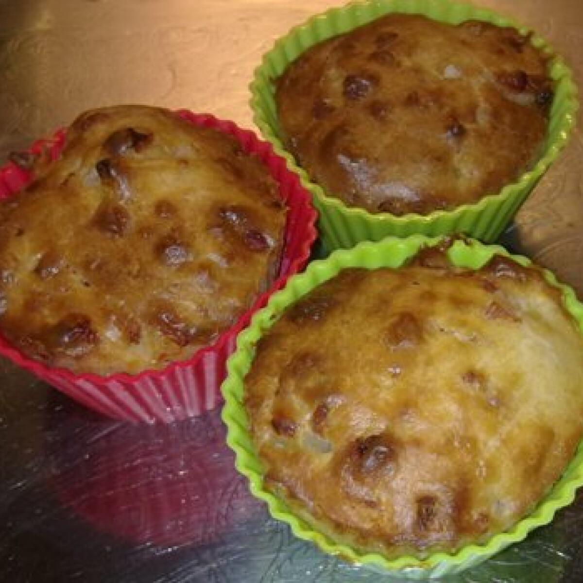 Ezen a képen: Hagymás-baconos muffin