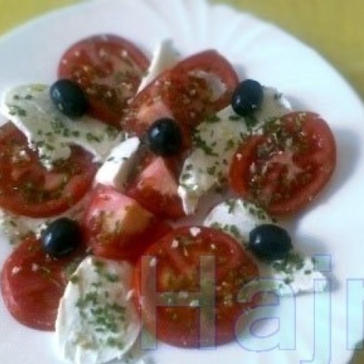 Ezen a képen: Mozzarella-tál