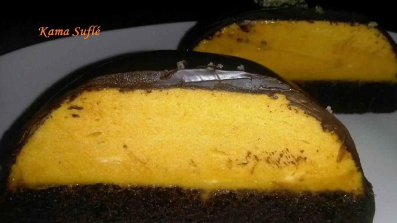 Csokoládés mini torták szarvasgombás édesburgonya mousse-szal