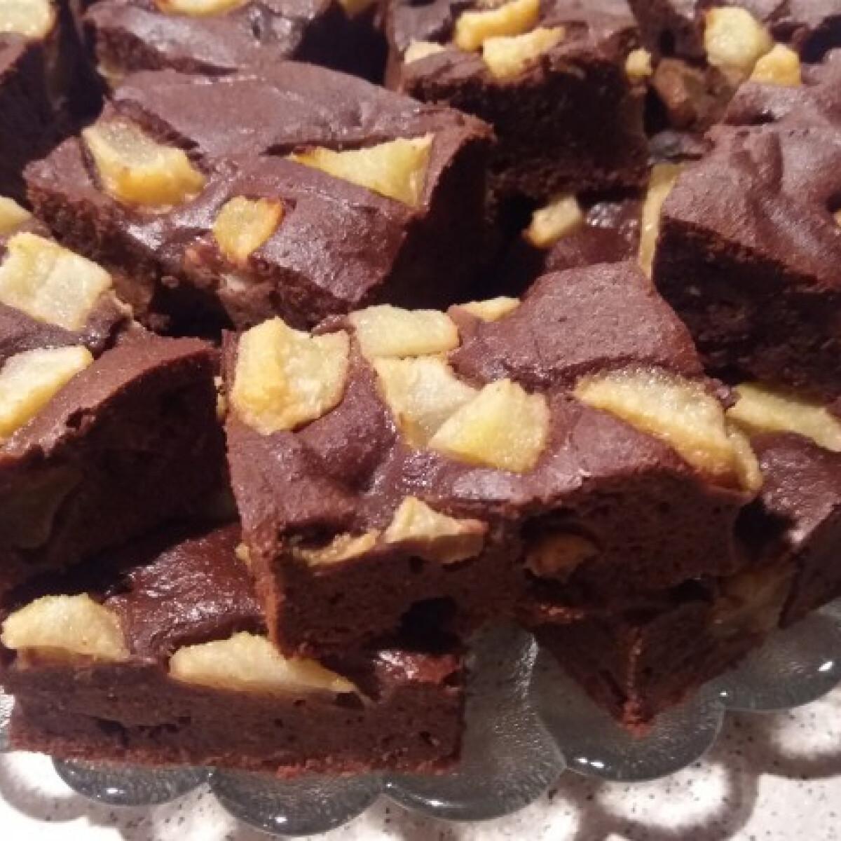 Ezen a képen: Paleo körtés brownie