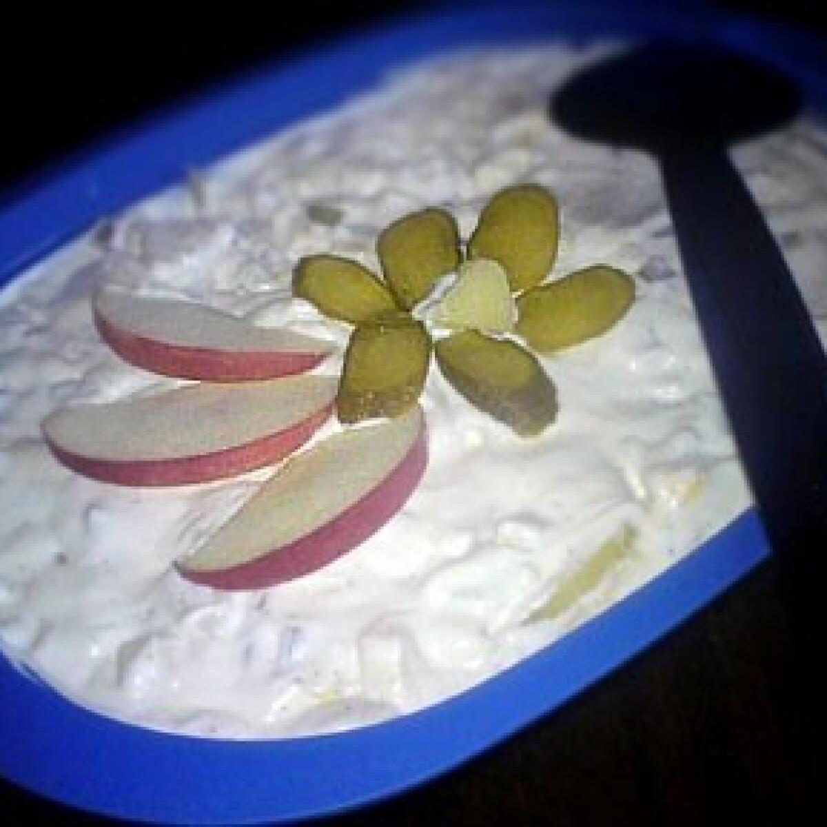 Ezen a képen: Károlyi saláta