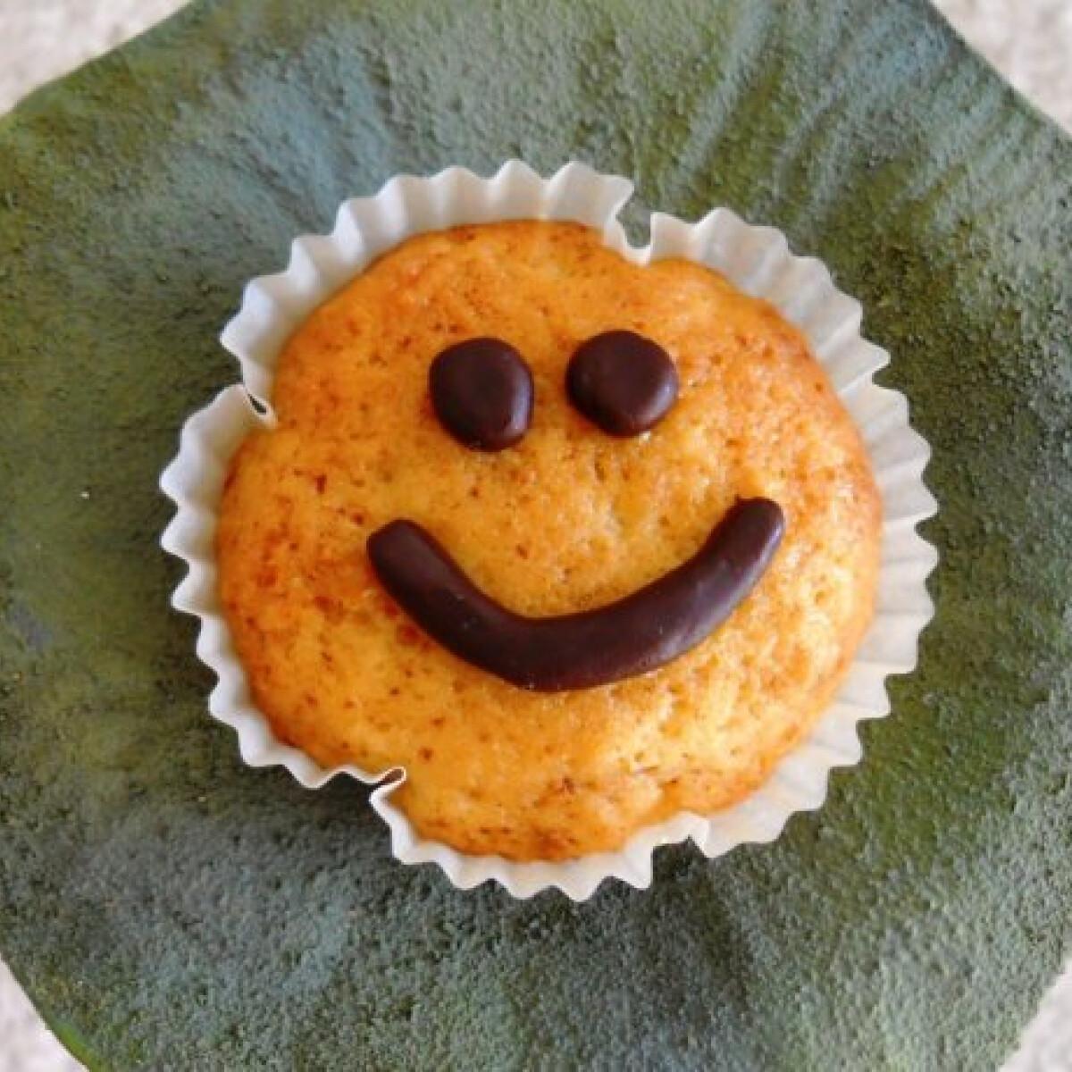 Ezen a képen: Citromos smiley muffin
