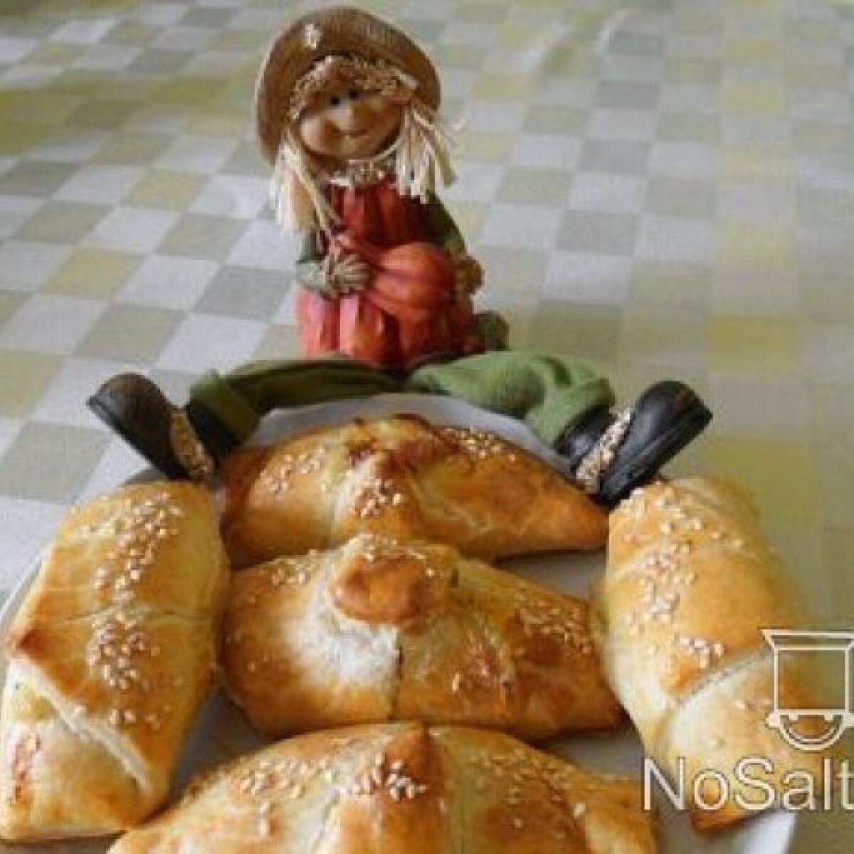 Ezen a képen: Sajtos-sonkás croissant