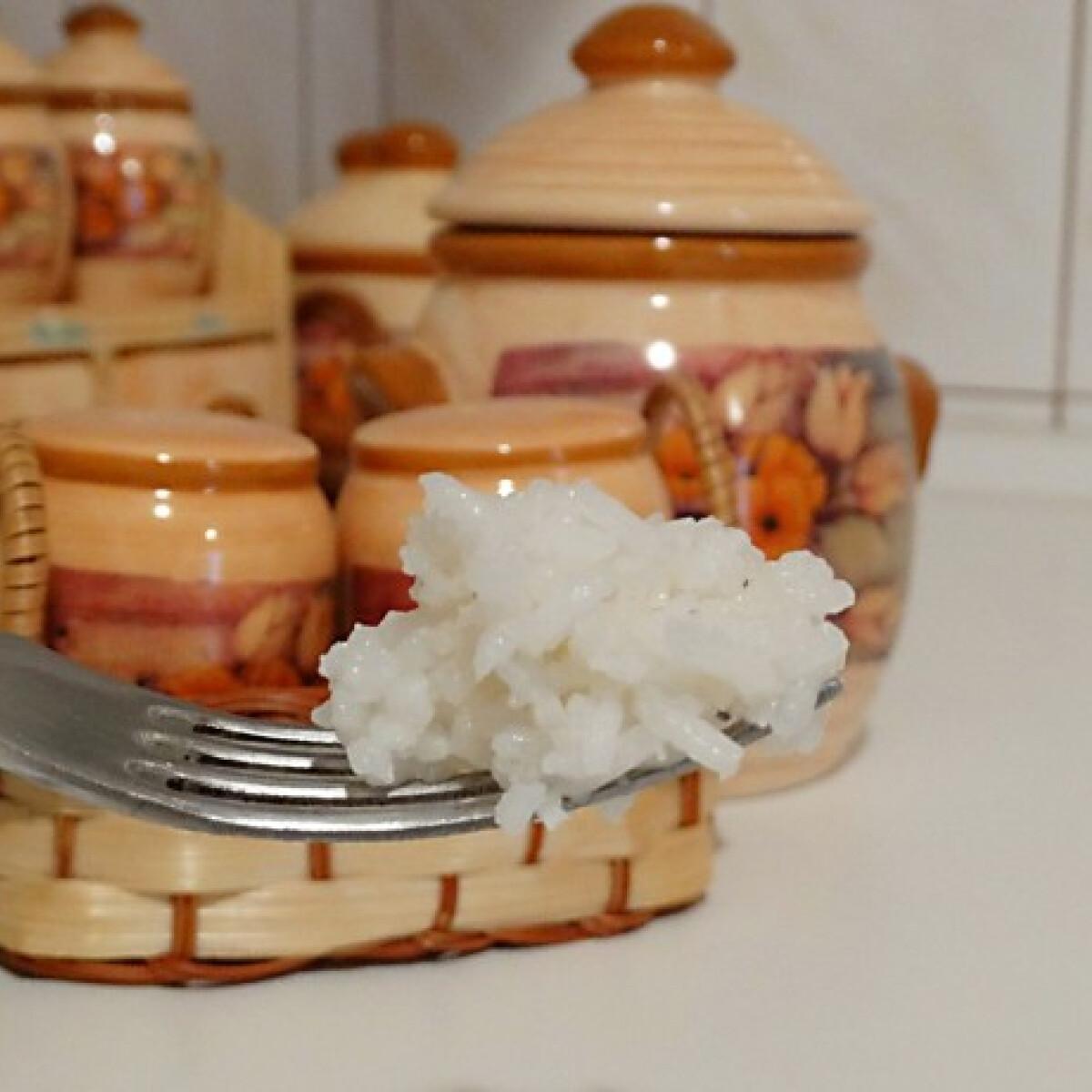 Ezen a képen: Pergős rizs Konyha Tünditől