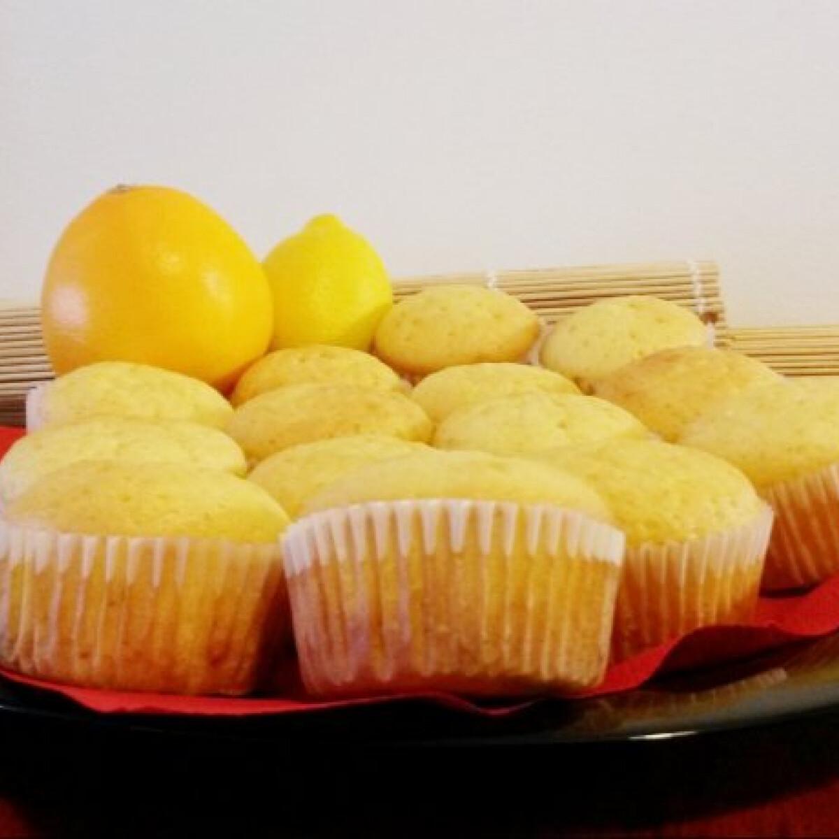 Ezen a képen: Citrusos bögrés muffin