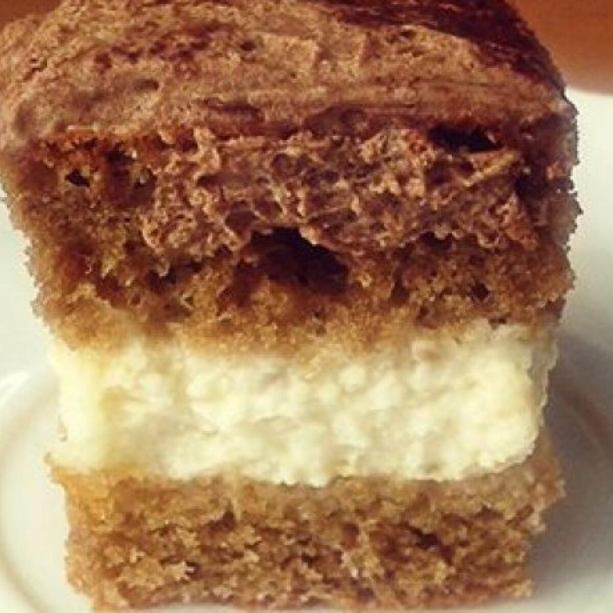Ezen a képen: Csokis-túrós szelet