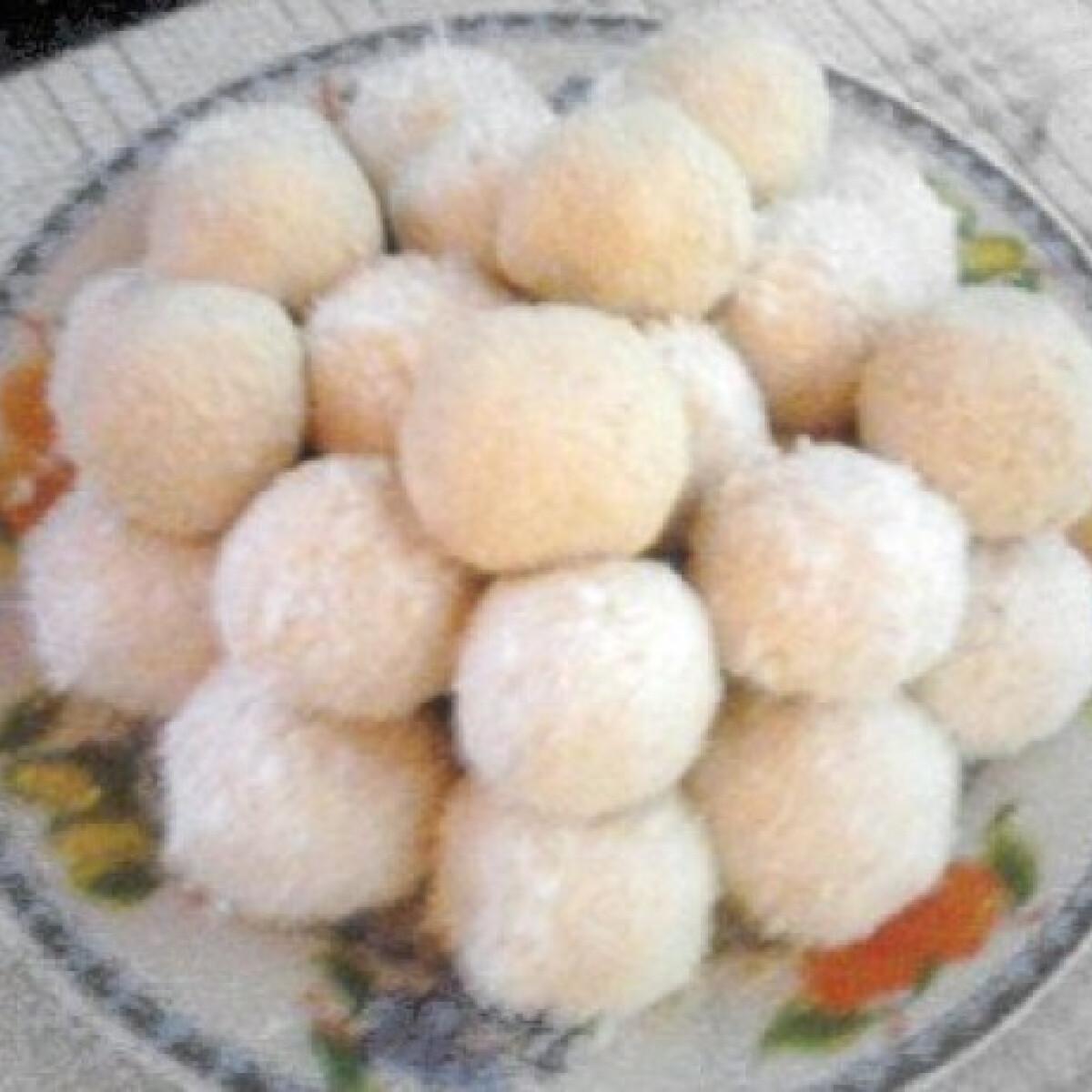 Kókuszos-kekszes túrógolyó