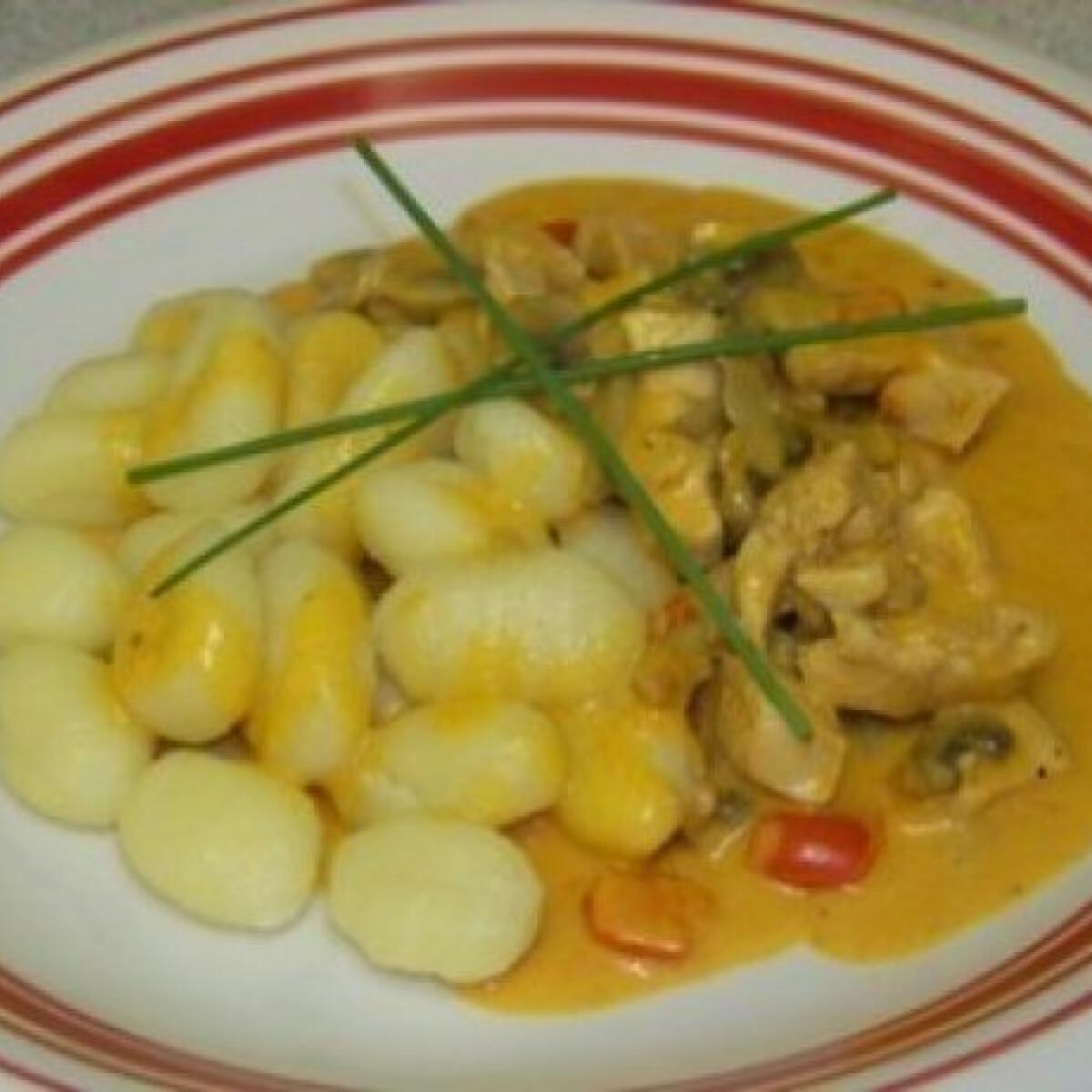 Ezen a képen: Gombás csirkemell gnocchi-val