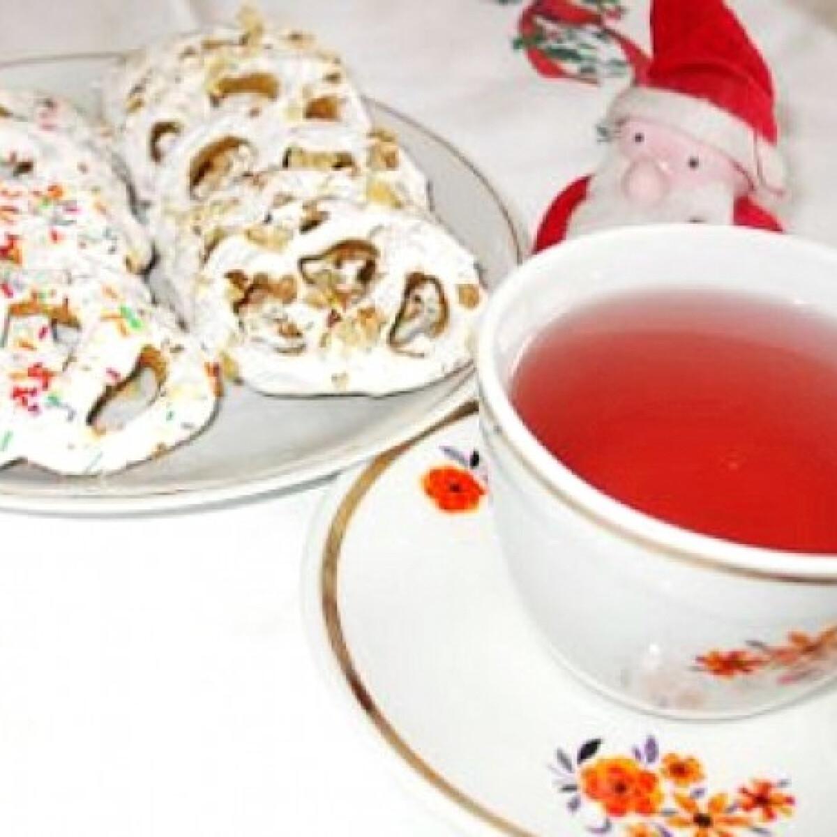 Ezen a képen: Fahéjas-mézes perecek teázáshoz