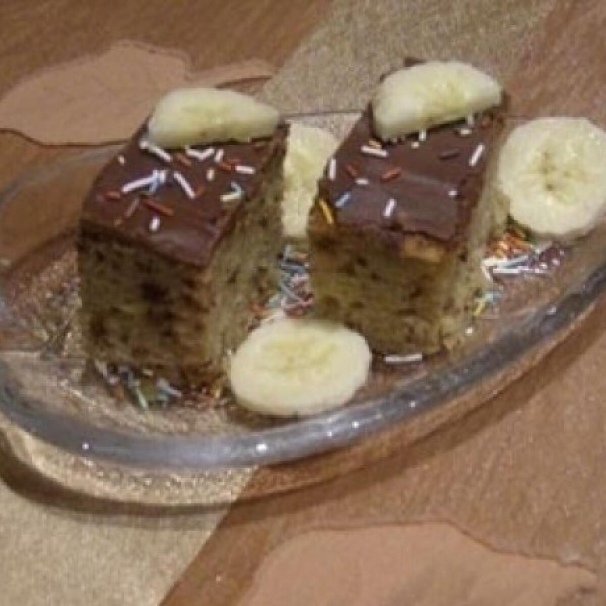 Ezen a képen: Csokoládés-banános szelet