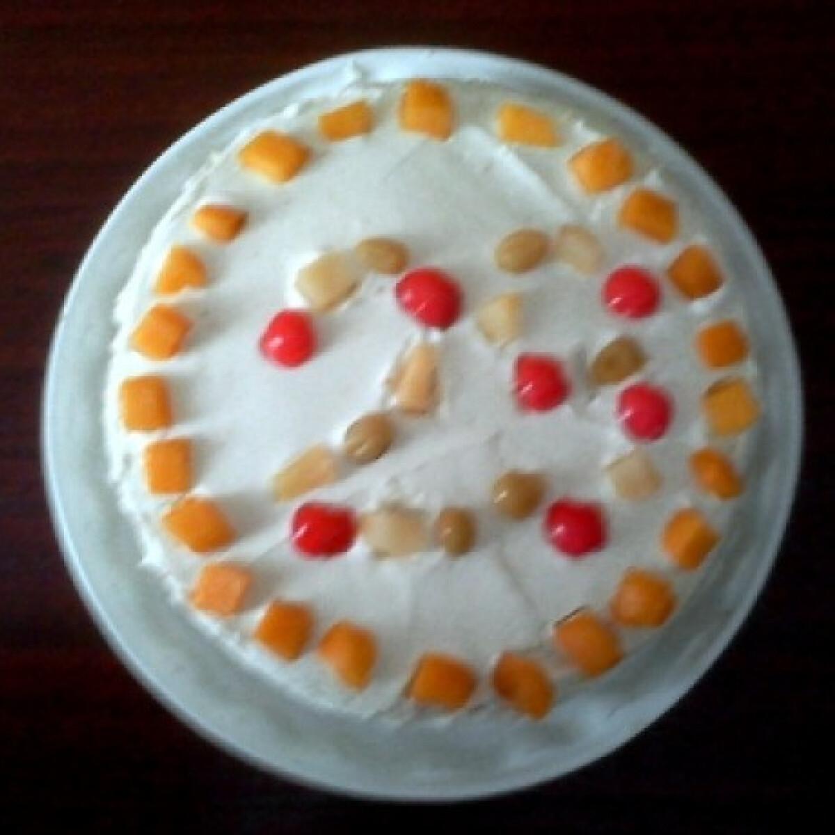 Ezen a képen: Ananászos mascarpone torta