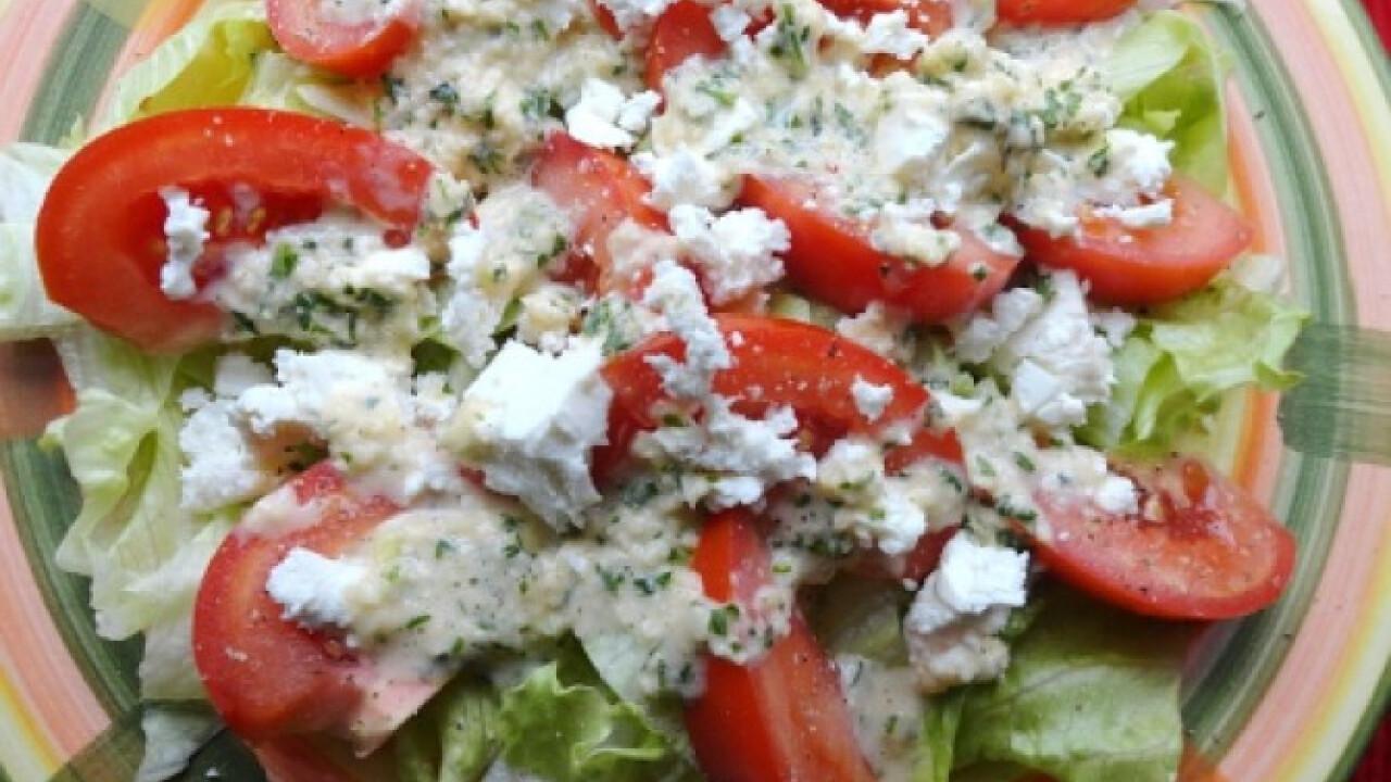 Paradicsomos jégcsap saláta fetával