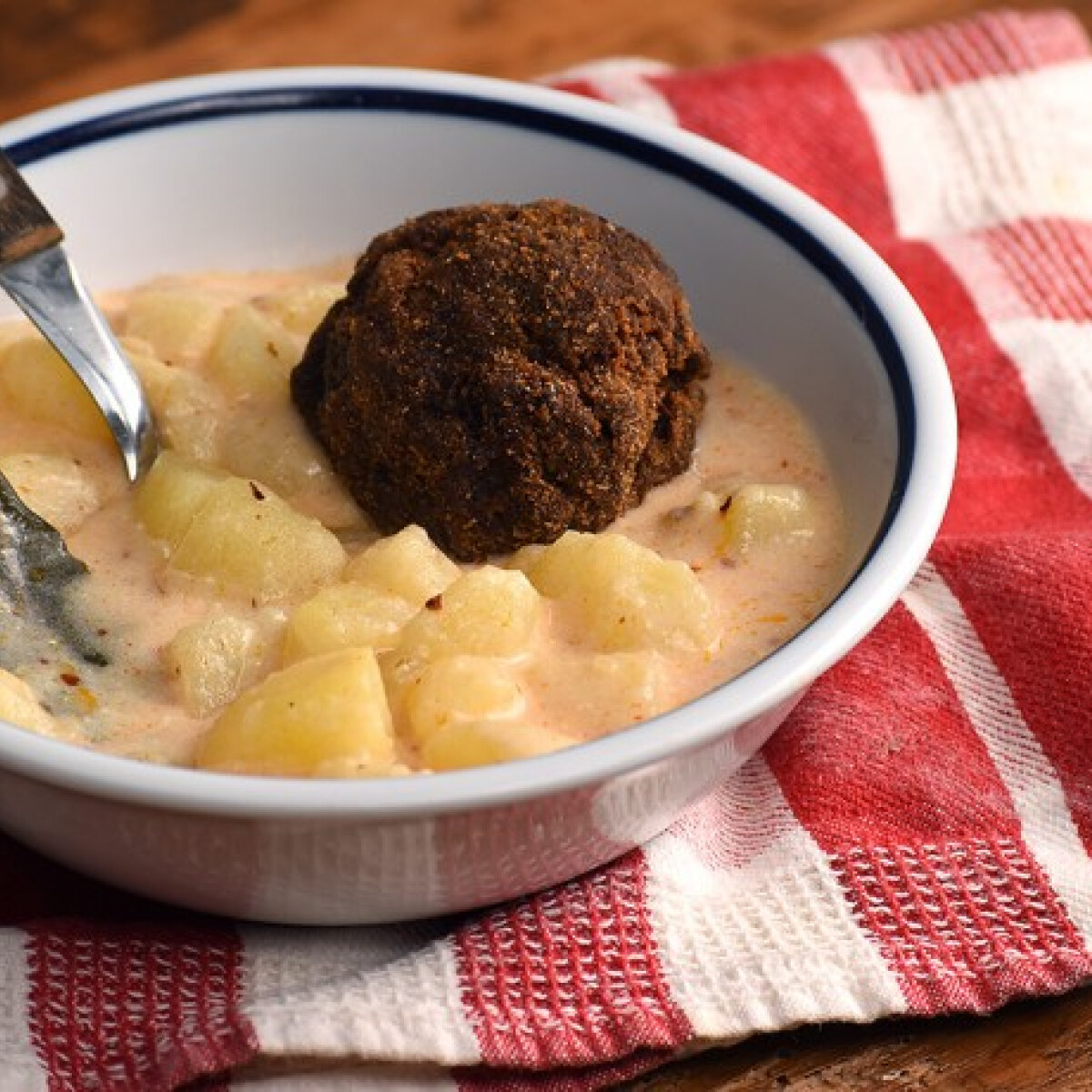 Ezen a képen: A legegyszerűbb krumplifőzelék